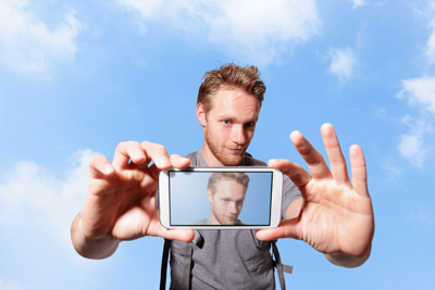 selfies-create-social-media-engagement